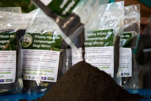 Produzido com os resíduos enviados para a usina de compostágem em sacos compostáveis ecovio da BASF.